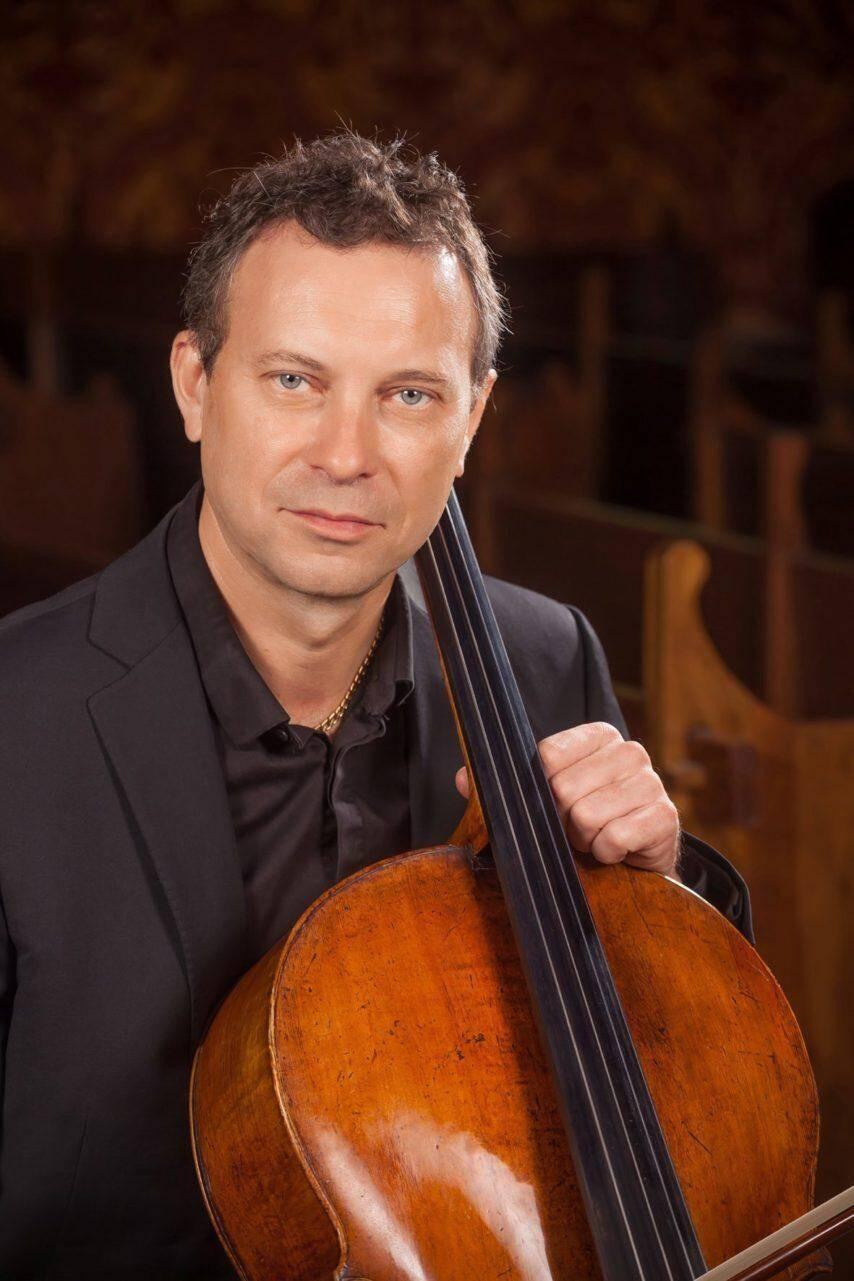 Leurs voix seront sublimées par le violoncelle d'Eric Courreges.