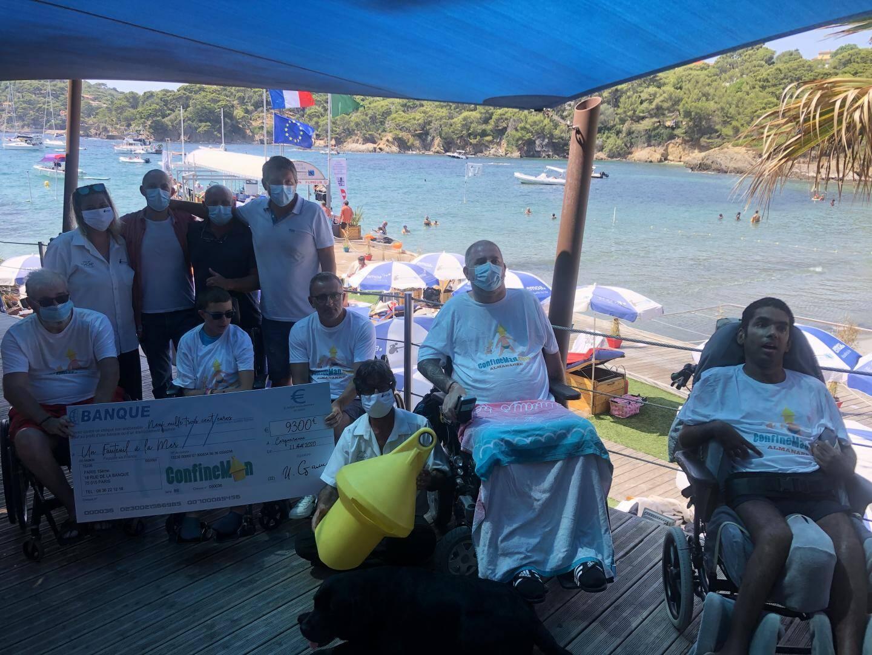 Un chèque de 9 300 euros a été remis cette semaine par Confineman à l'association Un Fauteuil à la mer à l'hôpital Renée-Sabran.