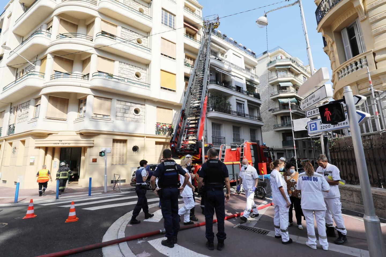 Police, Samu et pompiers sur les lieux.