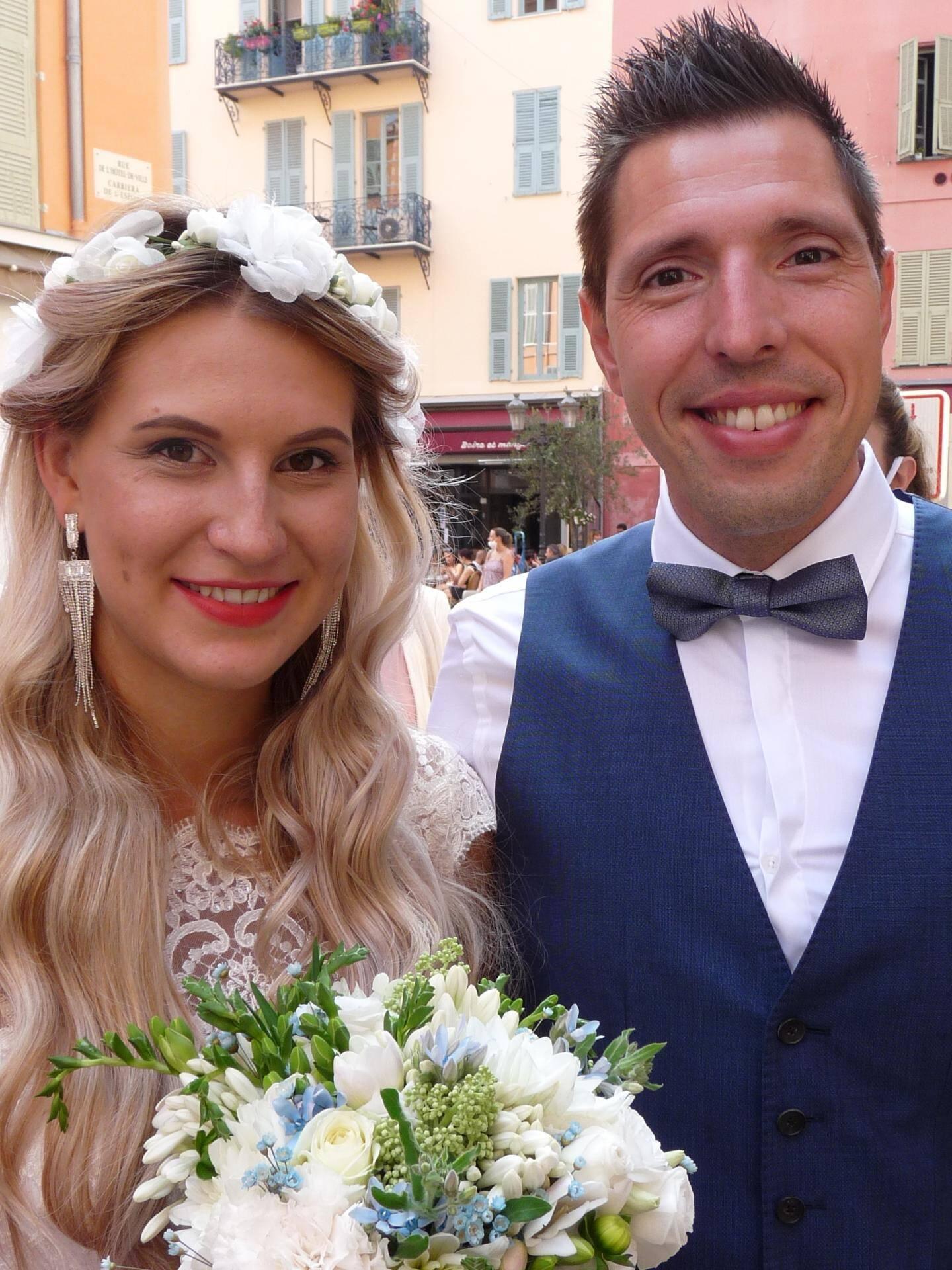 Tetiana Shymbarova, marketing digital, et Julien Revert, conseiller financier.