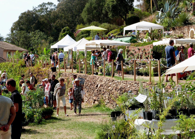 Une cinquantaine de producteurs et d'artisans locaux seront présents.