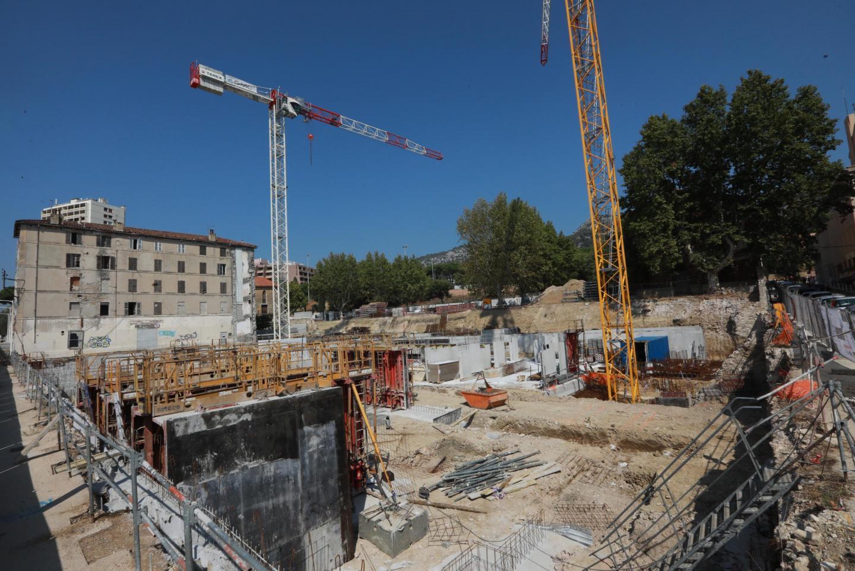 Après les travaux de terrassement fin 2019, le chantier se poursuit avec les fondations. La livraison de l'ensemble de l'îlot sud de Montéty est prévue pour la fin du premier semestre 2022.