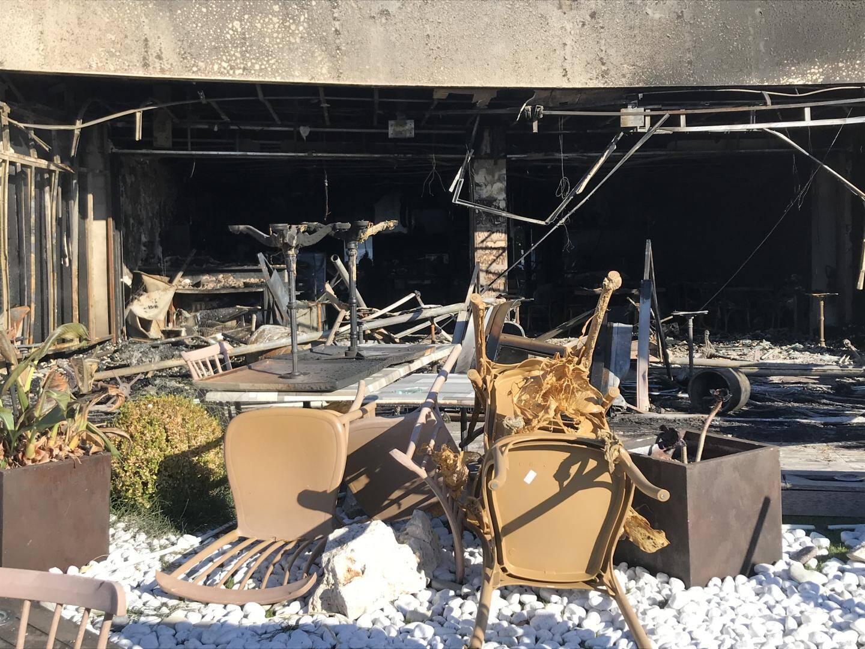 Trois restaurants de la Promenade des Flots bleus ont été complètement dévastés par les flammes à Saint-Laurent-du-Var.