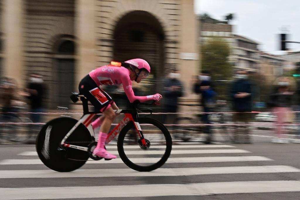 L'Australien Jai Hindley (Sunweb) lors de la dernière étape du Tour d'Italie, le 25 octobre 2020 à Milan