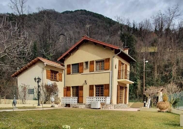 D epuis samedi, tout le monde connaît la maison de Léopold et Josette Borello à Roquebillière.