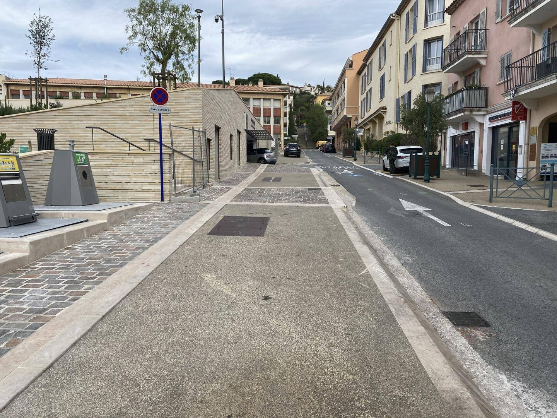 À la fin des travaux, prévus pour le 13 novembre, le trottoir devrait être parfaitement aligné.
