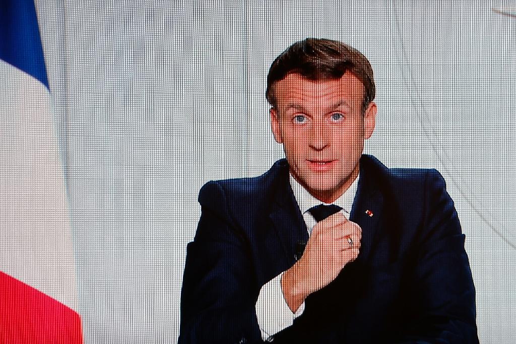 Le président français Emmanuel Macron lors d'une allocution télévisée à Paris pour annoncer le reconfinement du pays le 28 octobre 2020