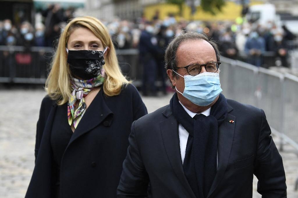 L'ancien président François Hollande et sa compagne Julie Gayet aux obsèques de Juliette Gréco, le 5 octobre 2020 à Paris