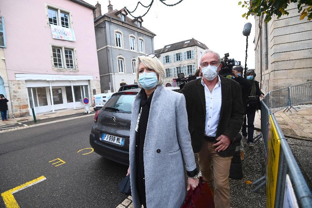 Les parents d'Alexia Daval, Isabelle et Jean-Pierre Fouillot, arrivent au palais de justice de Vesoul le 16 novembre 2020