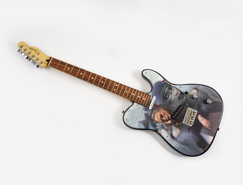 Sa Fender Telecaster designée par Enki Bilal sortie en 25 exemplaires. 25 000 d le top de la vente.