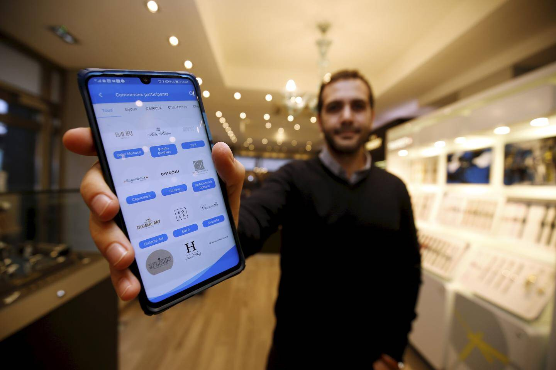 C'est dans l'application qu'un tiers peut créditer un montant que l'utilisateur pourra dépenser dans les commerces partenaires, tous situés à Monaco.