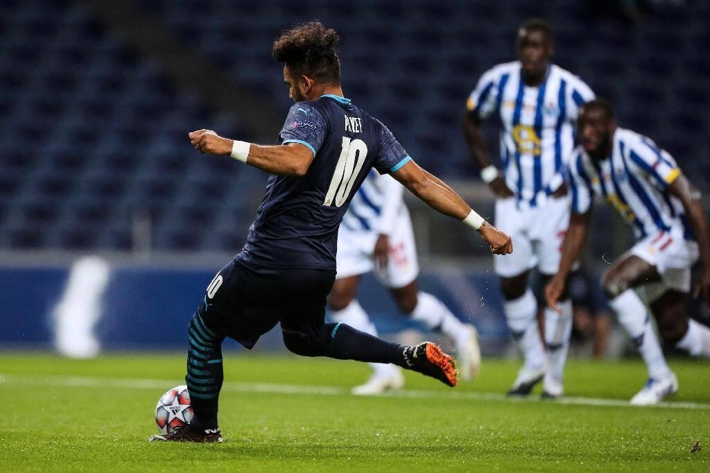 Le meneur de jeu marseillais Dimitri Payet manque un penalty crucial contre Porto, vainqueur final 3-0 au stade du Dragon, le 3 novembre 2020