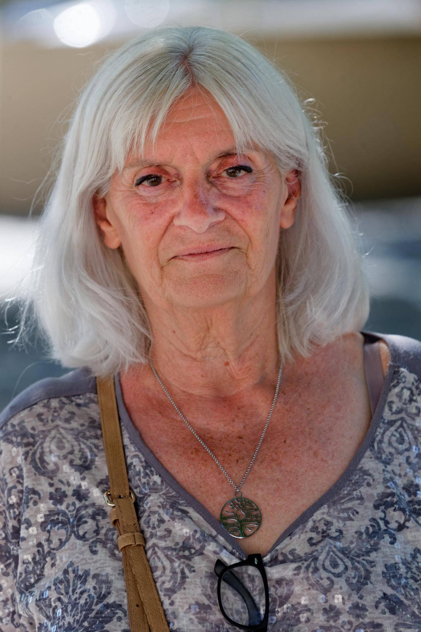 Hélène Verduyn , maire de Signes.
