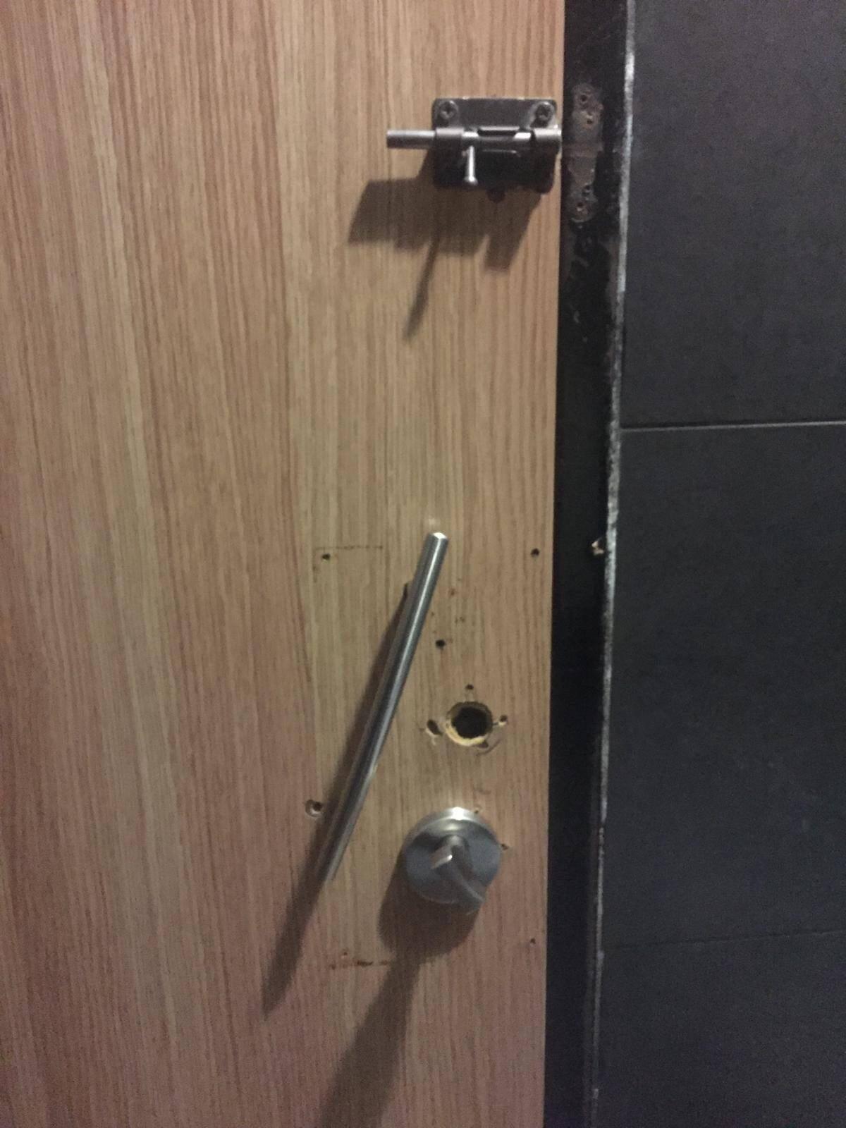 L'incident est survenu en décembre 2019, dans les toilettes du McDonald's sis 20, avenue Jean-Médecin.