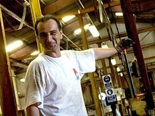 Hervé Livon est pdg de Chromalu (La Seyne, Vitrolles et Carros) depuis dix ans et il n'y croit plus.