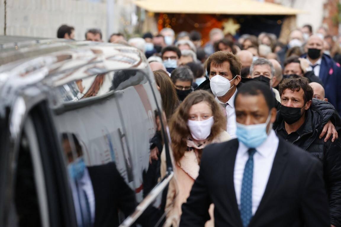 Au moins deux cents personnes ont assisté mercredi à une cérémonie religieuse à Boulogne-Billancourt (Hauts-de-Seine) pour les obsèques du Varois Christophe Dominici, décédé le 24 novembre à l'âge de 48 ans.