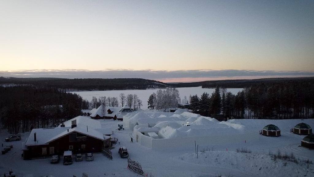 L'établissement Arctic Snow Hotel, le 17 décembre 2020 à Rovaniemi, en Laponie finlandaise