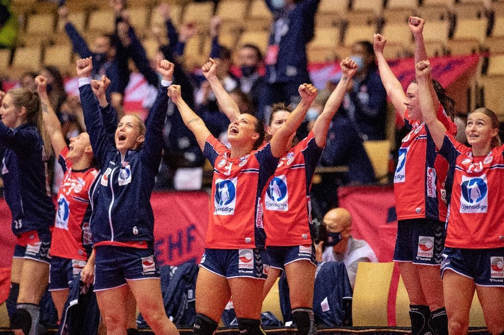 La joie des Norvégiennes après leur qualification pour la finale de l'Euro de handball, le 18 décembre 2020 à Herning