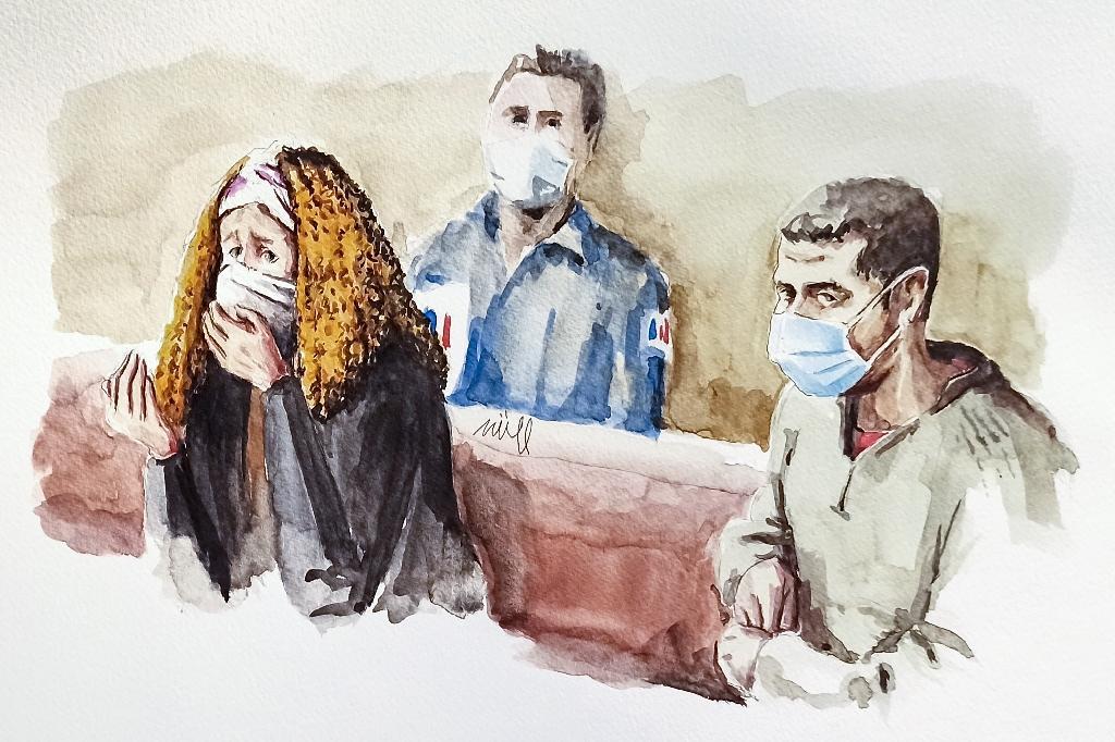 Croquis d'audience montrant la mère de Fiona, Cécile Bourgeon (g) et son ex-compagnon Berkane Makhlouf (d) le 4 décembre 2020 devant la cour d'assises d'appel du Rhône à Lyon