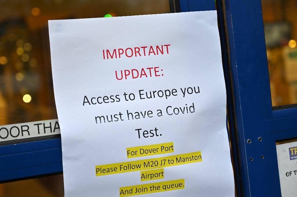Pour quitter la Grande-Bretagne, il faudra disposer d'un test négatif sensible au coronavirus et à son variant