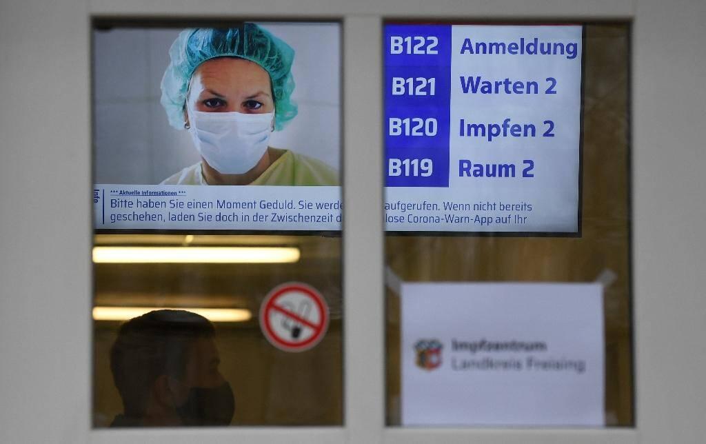 Un nouveau centre de vaccination contre le Covid-19 attend ses premiers patients à Freising, dans le sud de l'Allemagne, le 15 décembre 2020