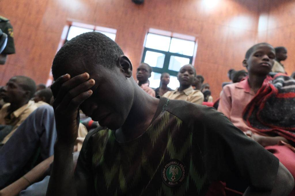 Un élève récemment libéré par ses ravisseurs l'ayant kidnappé avec plusieurs centaines d'autres vendredi dernier, à Kankara, le 18 décembre 2020
