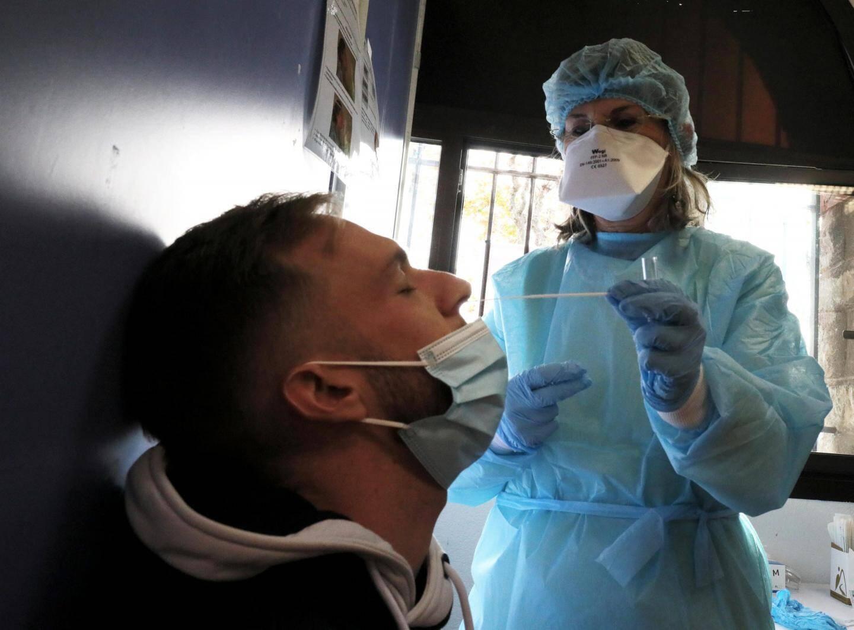 Au plus fort de la recrudescence de la contamination, le centre de dépistage Covid-19 du Fort-Carré a permis de tester 500 personnes, certains jours.