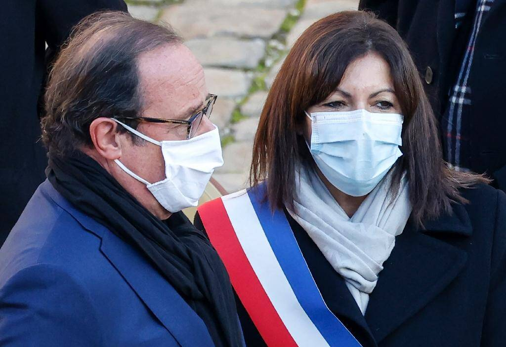 L'ancien président François Hollande et la maire de Paris Anne Hidalgo, le 26 novembre 2020 à Paris