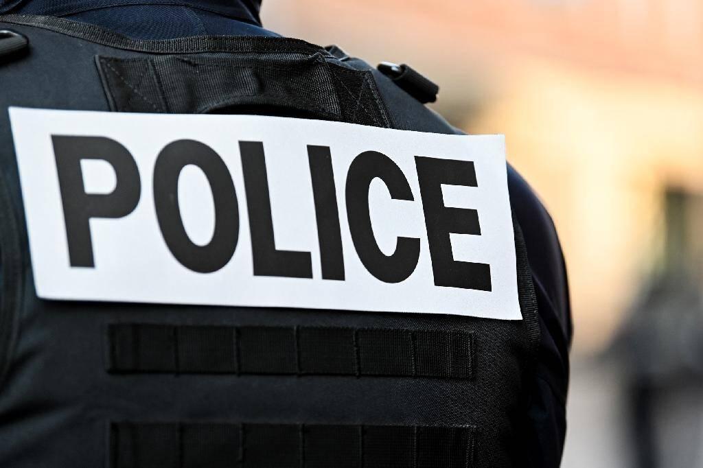 Une femme a tué de plusieurs coups de couteau son neveu de 10 ans et grièvement blessé sa petite nièce dans la nuit de Noël à Limay (Yvelines)