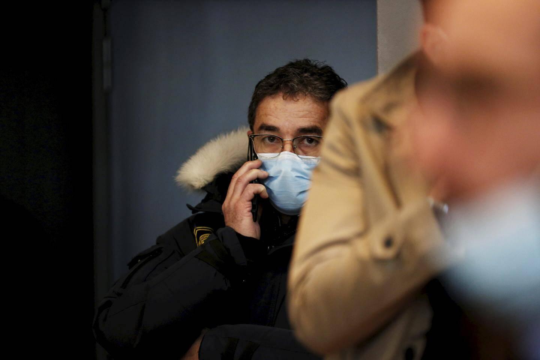 Luc Goursolas comparaît libre après un an de détention provisoire.