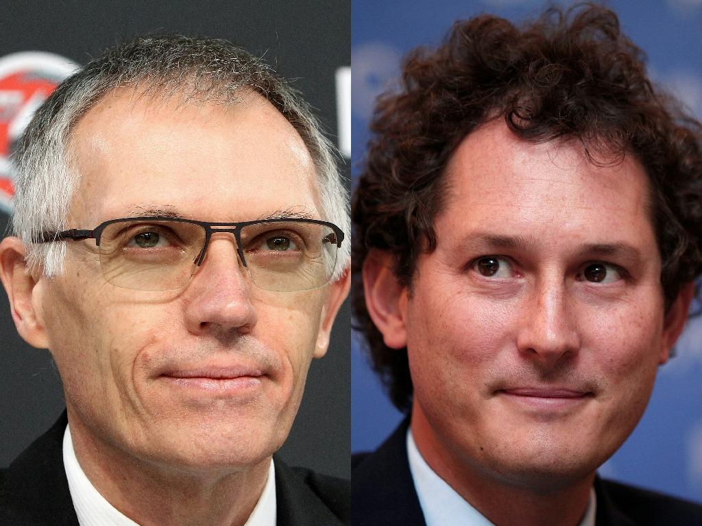 Carlos Tavares (g) et John Elkann, respectivement futurs directeur général et président du conseil d'administration du futur ensemble, Stellantis