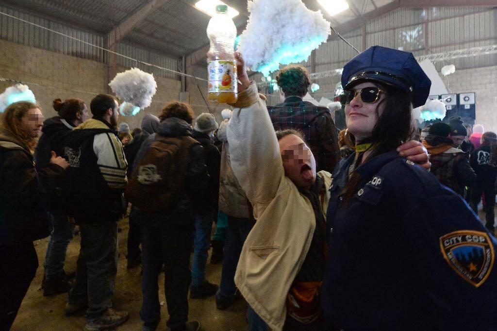 Rave party illégale à Lieuron dans l'ouest de la France le 1er janvier 2021