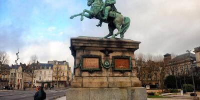 Napoléon Ier déboulonné à Rouen? Estrosi propose de récupérer la statue impériale à Nice