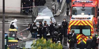 LIVE. Le principal suspect aurait agi seul, 8 autres personnes en garde à vue au surlendemain de l'attaque à Paris: la situation en direct