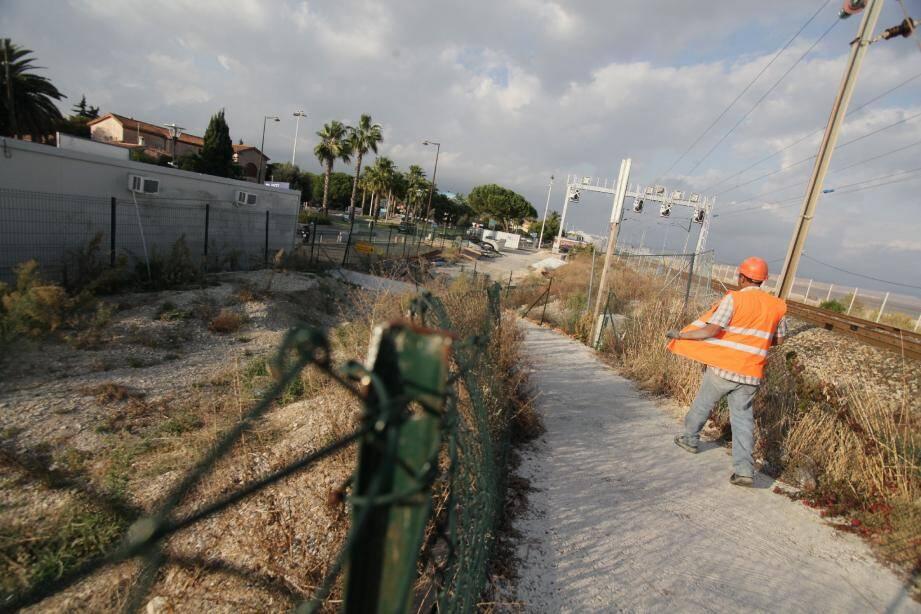 Le chantier stagne et les usagers se montrent résignés.(Photos Vincent Rossotti)