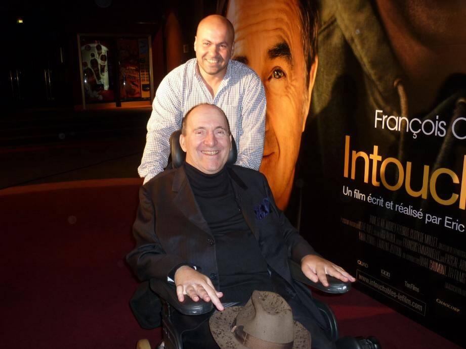 Philippe et Abdel lors de la sortie du film à Paris : intouchables mais touchants...(Photos DR)