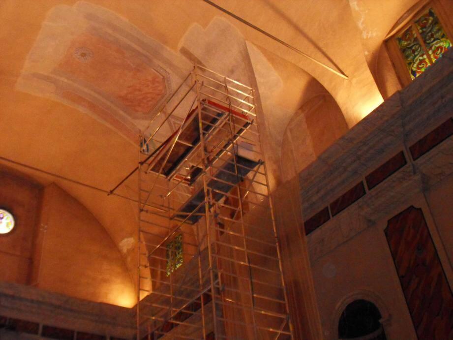 Les échafaudages, installés dans la chapelle, ont permis de restaurer la fresque.