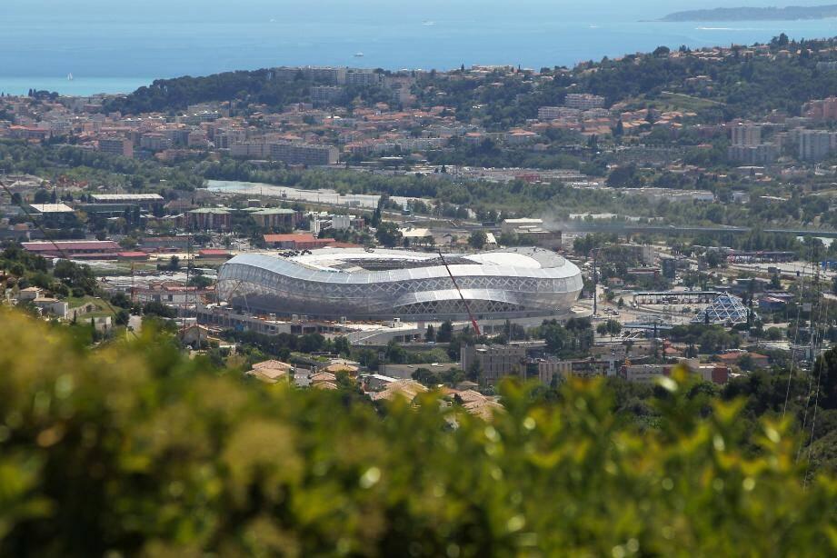 Le chantier à Nice du stade 'Allianz Riviera en juin