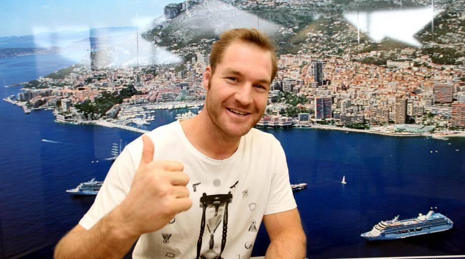 La nouvelle recrue du RC Toulon et champion du monde néo-zélandais, Ali Williams, a atterri mardi en fin de journée à l'aéroport de Nice.
