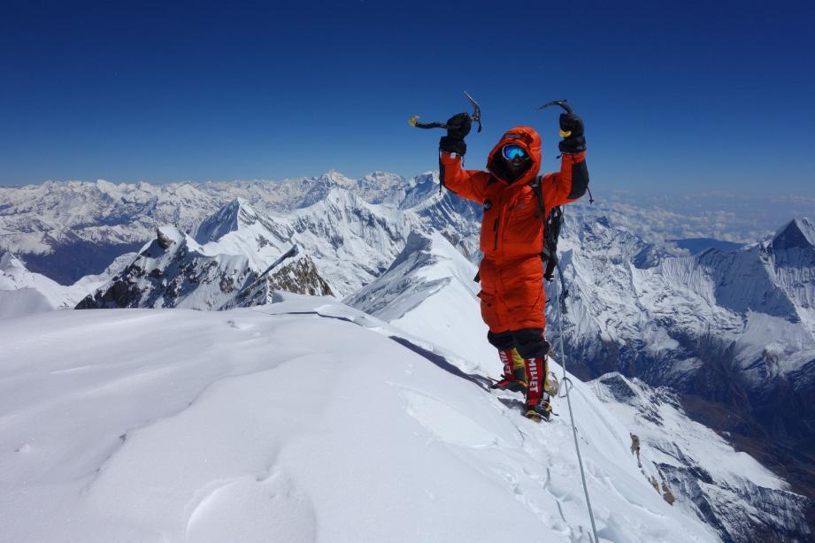 Il y a quelques semaines Stéphane Benoist grimpait au sommet de l'Annapurna, un des dix plus hauts sommets du monde. Même si l'alpiniste niçois de 42 ans ne regrette rien de son ascension, il devra se faire amputer mardi.(Jean-François Ottonello et DR)
