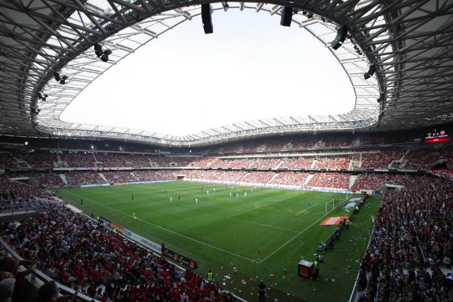 Les 8000 accoudoirs des 4000 places VIP de l'Allianz ont été réalisés par la Fonderie Correia, une des sous-traitants de Quinette Gallay face à qui elle risque de perdre un match... à 100 000 euros !