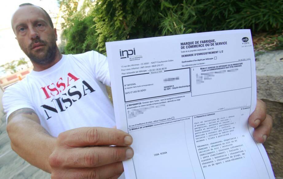 Il y a quelques mois, Mathias Muratore brandissait l'attestation de l'INPI, confirmant qu'il était propriétaire de la marque Issa Nissa. Aujourd'hui, il l'a cédée à l'OGC Nice.