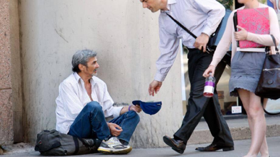 Selon l'Insee, « 30 % des personnes qui entrent dans la pauvreté y restent au moins 3 ans ».