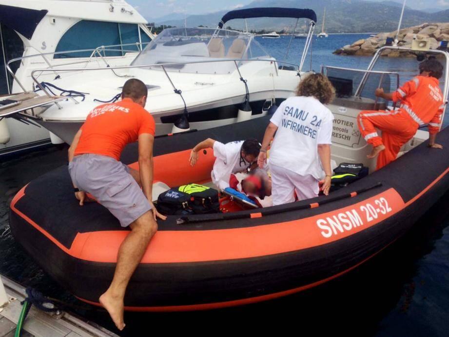 Le plongeur percuté a été héliporté jusqu'à l'hôpital d'Ajaccio.