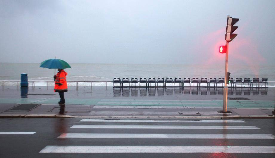 De nouveaux orages pourraient éclater en cours de journée sur la Côte d'Azur, selon Météo France.