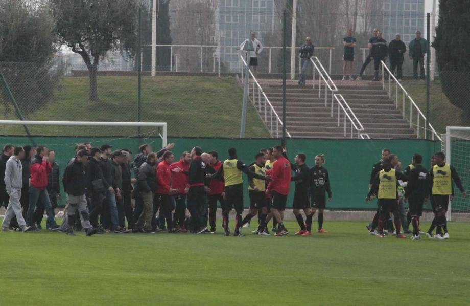 incidents charles ehrmann entrainement ogc nice supporters 150320