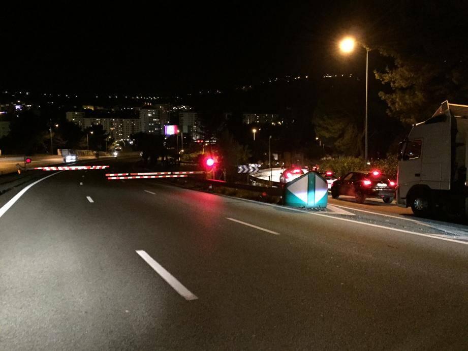 L'A8 fermée au niveau de la sortie Nice Nord en direction de Cannes.
