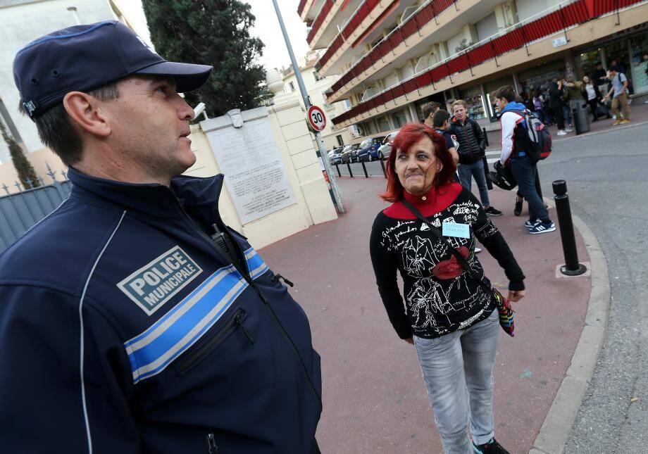 La surveillance civile démarrée le 20 novembre dernier aux abords des établissements scolaires se poursuit en ce début d'année.
