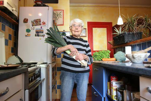 Jeannine ne jette rien. Ni le vert des poireaux, dont elle fait de succulentes soupes, ni le pain rassis ou dur.