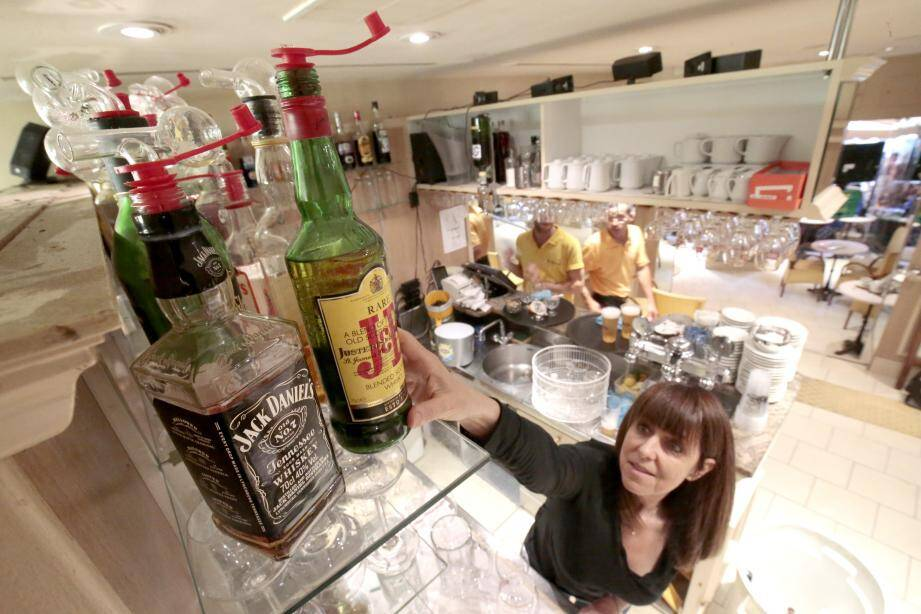 Dans les bars concernés, les alcools forts resteront au placard.